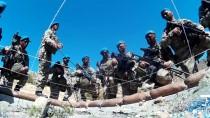 BESTLER DERELER - Kahraman Komandolar Dağlarda Teröristlere Göz Açtırmıyor