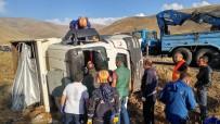 Kamyon Devrildi, Sürücüsü Hayatını Kaybetti