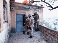 Siirt'te Çeşitli Suçlardan Aranan 14 Şüpheli Yakalandı