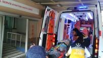 FARABI - Tamir İçin Çıktıkları Binanın Çatısından Düşen 1 Kişi Öldü, 1 Kişi Yaralandı