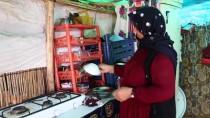 TARIM İŞÇİSİ - Tarım İşçisi Kadının Çadır İle Tarla Arasında Geçen Ömrü