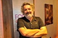 Ünlü Oyuncu Müfit Can Saçıntı Diyarbakırlılarla Buluştu