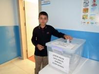 FATIH YıLMAZ - Yozgat Çözüm Koleji Meclis Başkanını Seçti