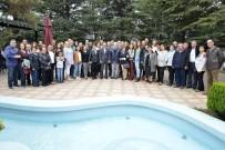 HATIRA FOTOĞRAFI - Başkan Ataç, Muhacir Dernekleri Federasyonu'na Bağlı Derneklerin Üyeleri İle Buluştu