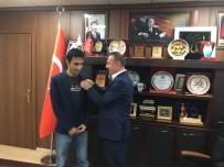 Başkan Karaatay'dan Türkiye Birincisine Cumhuriyet Altını