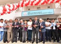 FOLKLOR GÖSTERİSİ - Elazığ'da Hayırsever Ailenin Desteğiyle Yapılan Okul Açıldı