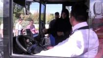 HALK OTOBÜSÜ - Halk Otobüsü Şoförü Yolcuları 'Hoşgeldiniz' Diyerek Karşılıyor