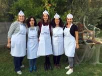 Kadınlar Hem Balık Avlıyor Hem De Pişiriyor