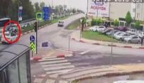 İLK MÜDAHALE - Kırmızı Işıkta Geçen Otomobil Yayaya Çarptı