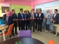 Öğretmenler Okulun Kütüphanesini Yeniledi