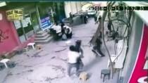 YAŞAR ERYıLMAZ - Ağrı'daki Silahlı Kavga Güvenlik Kamerasında
