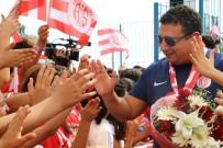 OKUL FORMASI - Antalyaspor, Öğrencilerle Buluştu