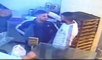 MEHMET KARA - Arkadaşların Bıçaklı Kavgası Güvenlik Kamerasında