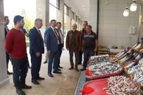 ALıŞVERIŞ - Balıkhan İlk Ziyaretçileri Özak Ve Bayram Oldu