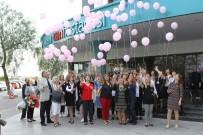 KOLON KANSERİ - Balonlar Meme Kanserine Farkındalık İçin Uçuruldu