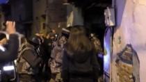 POLİS ÖZEL HAREKAT - Bursa'da Uyuşturucu Satıcılarına 'Şafak' Baskını