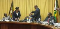 OLAĞANÜSTÜ HAL - Devlet Başkanı Mnangagwa'ya Kolera Aşısı