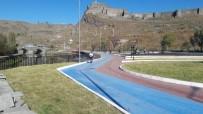 Kars'ta Parklar Haşerelere Karşı İlaçlandı