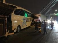 Kocaeli'de Tır 2 Yolcu Otobüsüne Çarptı Açıklaması 1'İ Ağır 8 Yaralı