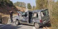 Kontrolden Çıkan Otomobil Şarampole Uçtu Açıklaması 2 Ölü 4 Yaralı