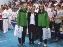 MILLI TAKıM - Milli Basketbolculara Ödül