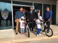 KURAL İHLALİ - Emniyetten Çocuklara Bisiklet