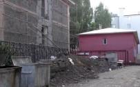 Eski Rektörlük Binasının Tadilatının Uzamasına Tepki