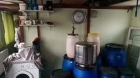 ALKOLLÜ İÇKİ - Evin Mutfağını Sahte İçki İmalathanesine Çevirdi