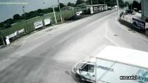 KÖSEKÖY - Sakarya'da Trafik Kazaları MOBESE Kameralarına Yansıdı