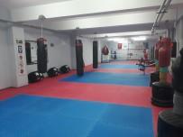 Silopi'de Wushu Ve Boks Salonunun Zemini Onarıldı