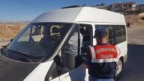 TRAFİK YÖNETMELİĞİ - Yavuzeli'de Öğrenci Servislerine Sıkı Denetim Altına Alındı