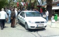 POLİS ARACI - Belediye Aracı Hidrolik Bariyere Çarptı