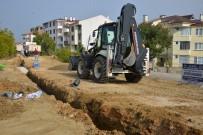 YAĞMUR SUYU - Ertuğrulgazi Mahallesinde Yeni Yağmur Suyu Hattı Yapılıyor