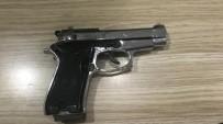 SU SPORLARI - İşletmeci İzin Vermeyince Fotoğraf Makinesini Bırakıp Silaha Sarıldı