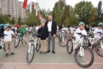 ULUBATLı HASAN - İzmit'te Bisikletsiz Çocuk Kalmıyor