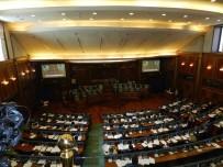 KOSOVA - Kosova Meclisi'nden Ordunun Kurulmasına Yeşil Işık