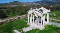 MASA SANDALYE - Afrodisyas'ta Ara Güler Hüznü