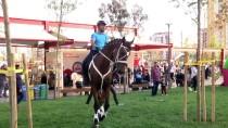 GENÇLİK VE SPOR BAKANLIĞI - Atlı Jandarmalar Diyarbakırlı Çocukların İlgi Odağı Oldu