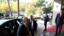 DIŞİŞLERİ BAKANI - Bakan Çavuşoğlu, Arnavutluk Dışişleri Bakanı Bushati İle Görüştü