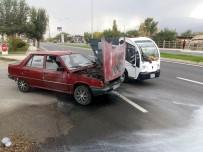 Erzincan'da Hareket Halindeki Araç Alev Aldı