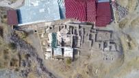 KÜLTÜR VE TURIZM BAKANLıĞı - Harput Kalesinde Bu Yıl 20 Bin Obje Gün Yüzüne Çıkartıldı