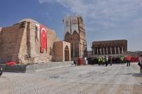 Hasankeyf'te İmam Abdullah Zaviyesi'nin Eyvan Kısmı Taşındı