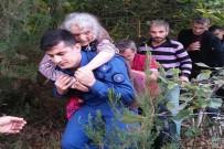 Jandarma Ayşe Nineyi Sırtında Taşıdı
