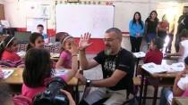 SOSYAL MEDYA - Köy Çocukları İçin Binlerce Kilometre Yol Katettiler