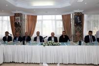 Mardin'de Muhtarlara Yemek Verildi
