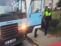 GÜZERGAH - Öğrenci Servisinin Şoförü Alkollü Çıktı