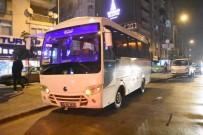 İZMIR ADLI TıP KURUMU - Servis Minibüsünde Fenalaşan Yaşlı Adam Hastanede Hayatını Kaybetti