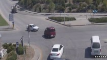 ÇARPMA ANI - Trafik Kazaları MOBESE Kameralarına Yansıdı