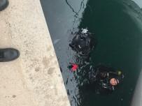 DENİZ POLİSİ - Yalova'da Erkek Cesedi Bulundu