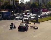 ÇARPMA ANI - Antalya'da Kırmızı Işık İhlallerinin Ölüme Davetiye Çıkardığı Anlar